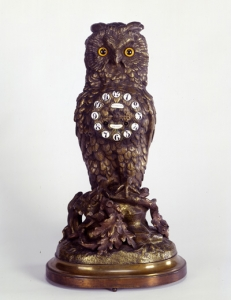 Mantel Clock, 1880–1890, Theodore B. Starr (1837–1907), New York, New York, Scottish Rite Masonic Museum and Library, gift of Mrs. Willis R. Michael, 85.108.3a-b. Photograph by David Bohl.