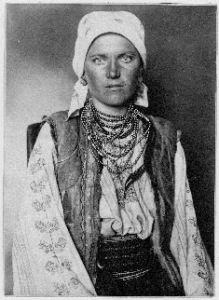 Ruthenian woman, Augustus Frederick Sherman (1865-1925) Courtesy of Aperture Foundation and Statue of Liberty National Monument/Ellis Island Immigration Museum